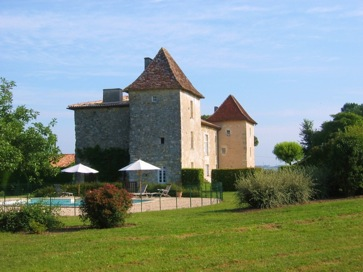 Rent a chateau - castle - manor house in Dordogne - Perigord, France, with heated swimming pool
