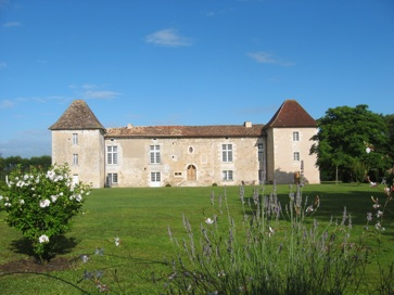 A French chateau to rent in Dordogne - Perigord, France