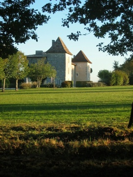 French chateau to rent in Dordogne