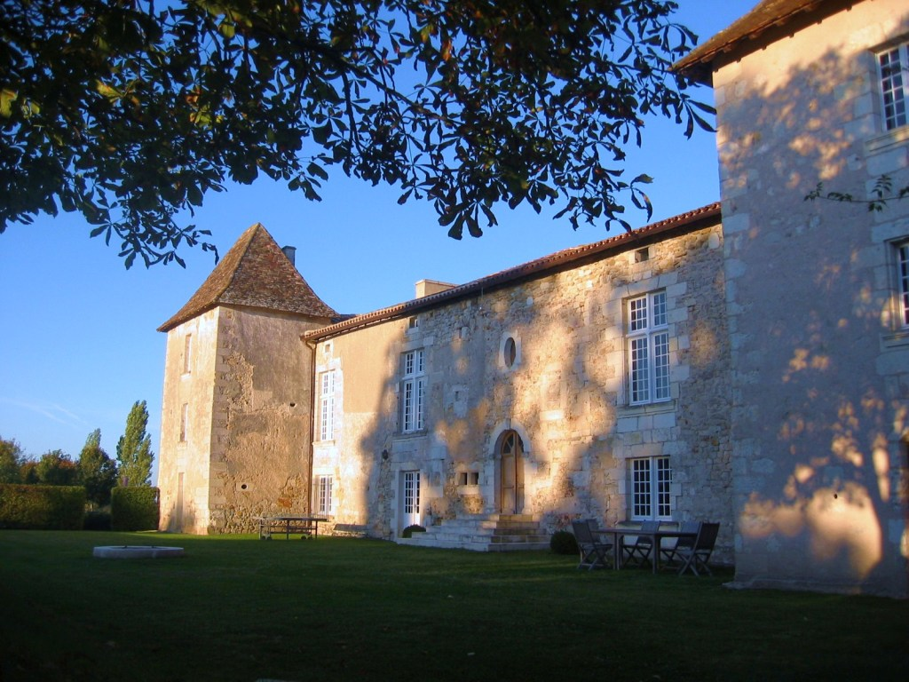 French chateau to rent in Dordogne, France
